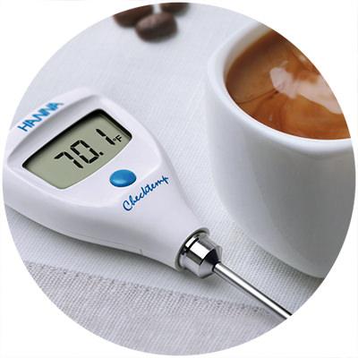 1995: Primer termómetro de bolsillo del mundo con CAL Check™