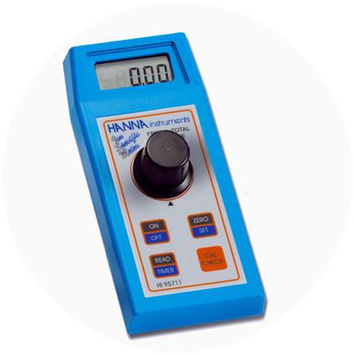 2002: Primer colorímetro del mundo con función CAL CheckTM