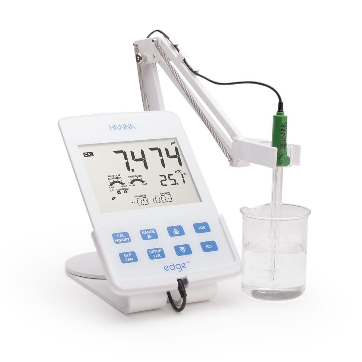 edge pH/ORP Meter In Cradle